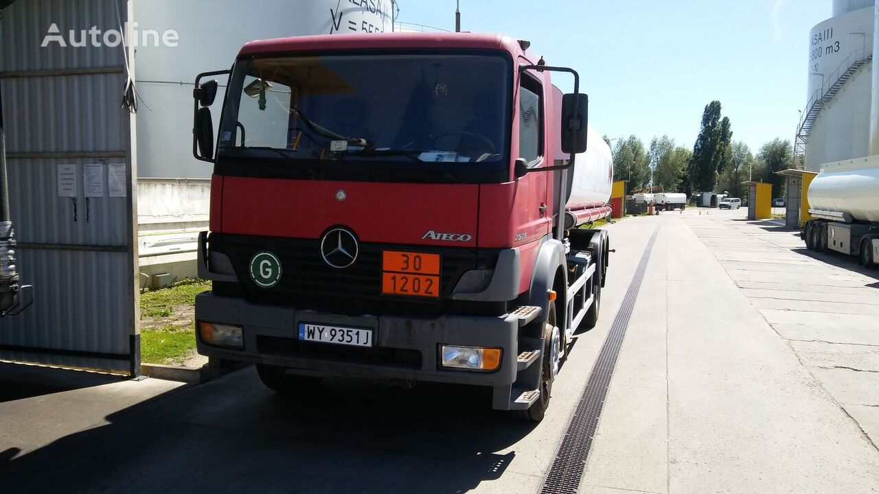 бензовоз MERCEDES-BENZ 2528L ATEGO