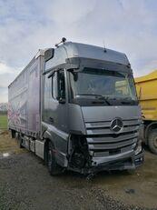 грузовик штора MERCEDES-BENZ ACTROS 2545 после аварии